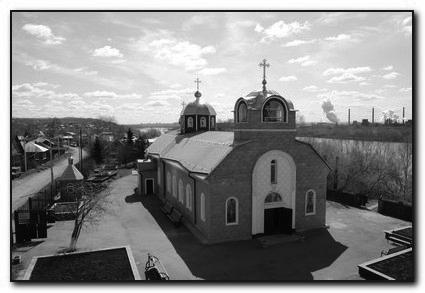У пользователей Интернета появилась уникальная возможность совершить виртуальное паломничество в один из старейших храмов Кузбасской митрополии – Никольский собор в Кемерове.  3D-галерея доступна по адресу в интернете:  nikolsky-sobor.ru