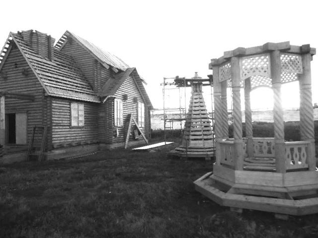 Строящийся храм святителя Николая Мир Ликийских чудотворца в ЛИУ №42