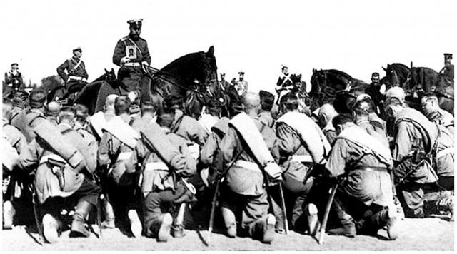 Император благословляет солдат и офицеров Русской армии