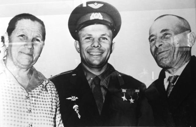 Ю.А Гагарин: «Очень я люблю свою маму, и всем, чего достиг, обязан ей»