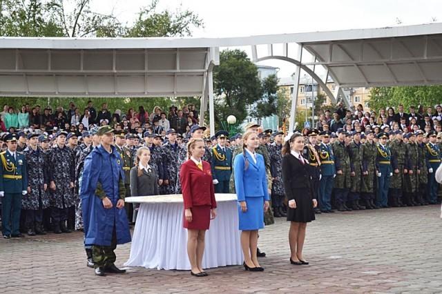 Представители епархии и православной гимназии на ежегодной линейке областных губернаторских  образовательных организаций