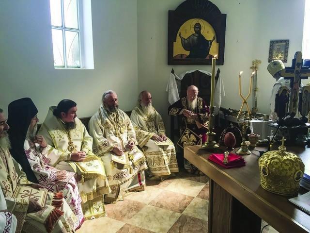 Митрополит Аристарх сослужил Вселенскому   и Сербскому Патриархам в Ясеноваце
