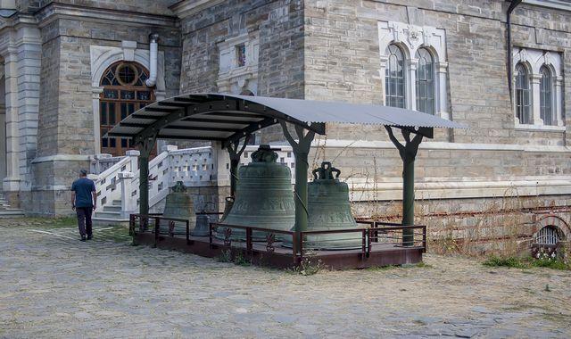 4.Колокола у собора